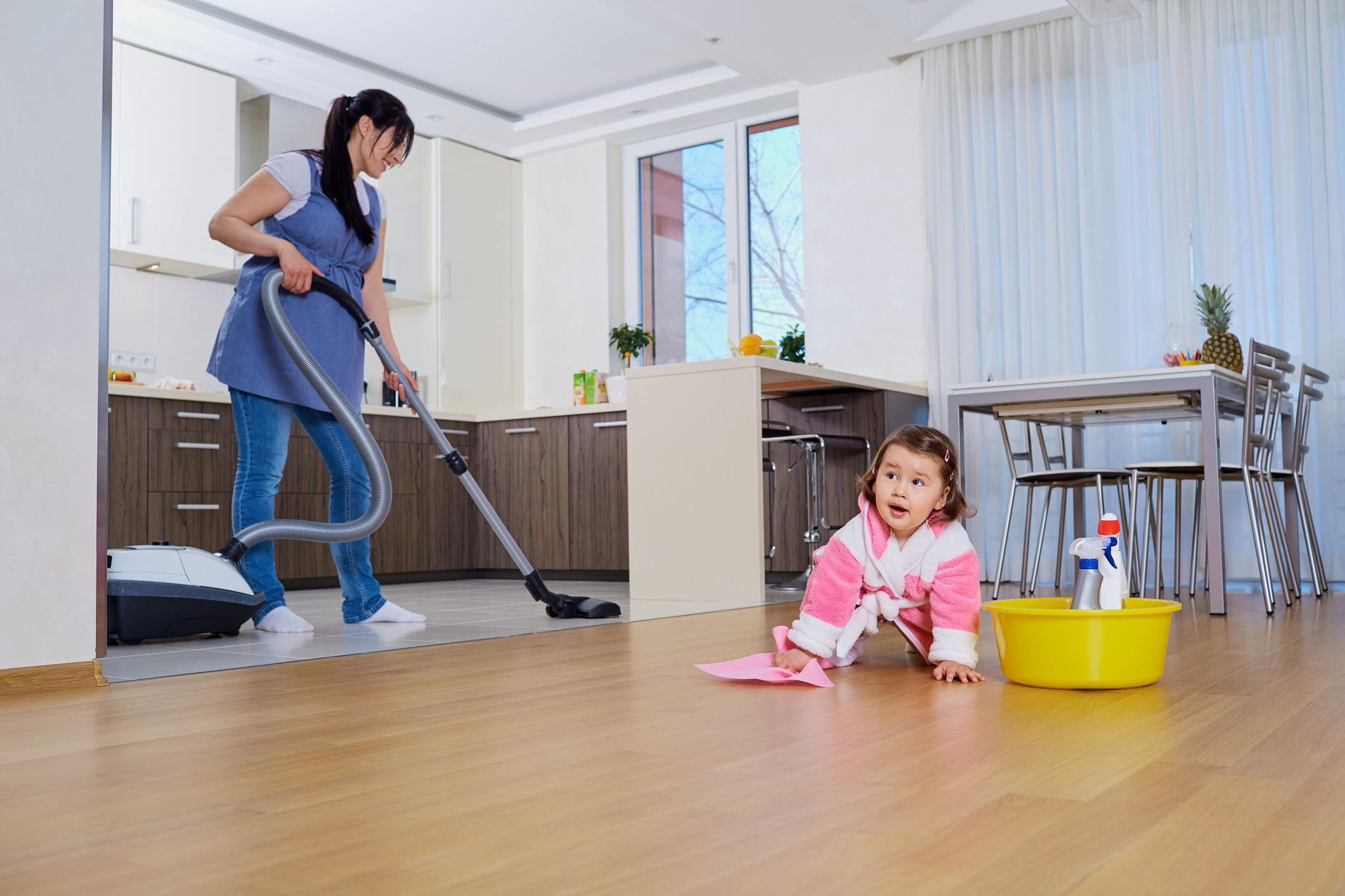 children cleaning their room - HD2121×1414
